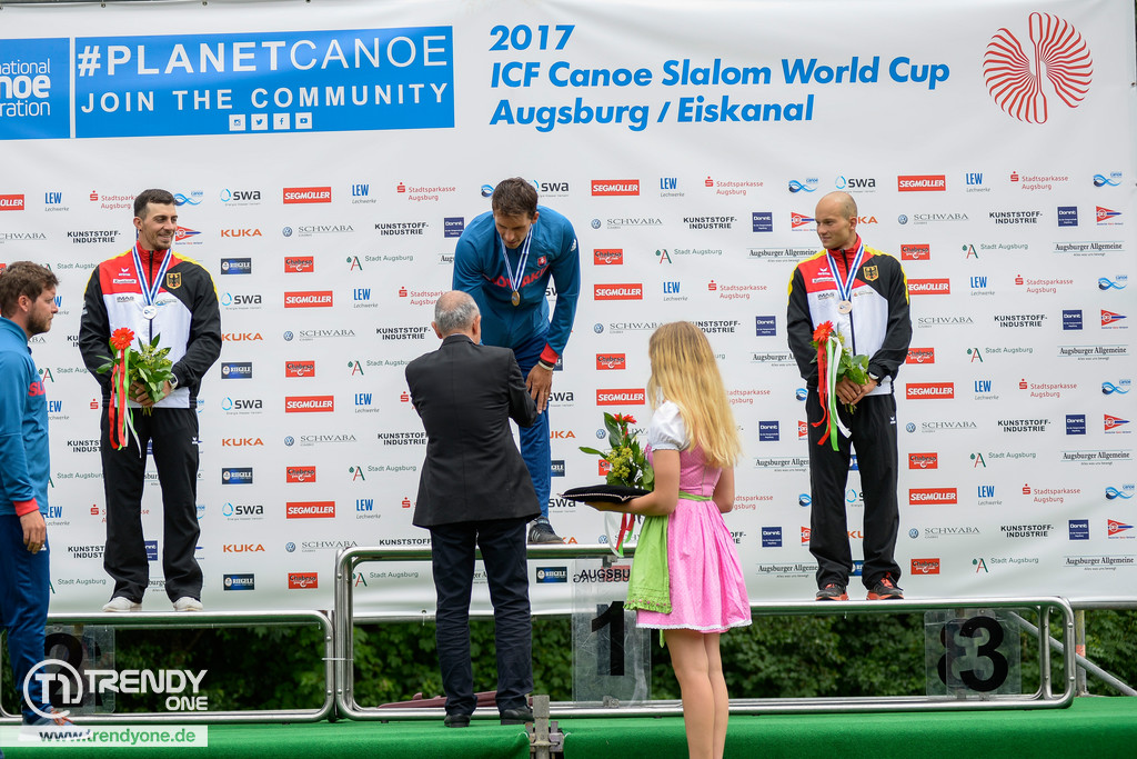 icf canoe slalom augsburg 2017 siegerehrung sonntag news augsburg allg u und ulm trendyone. Black Bedroom Furniture Sets. Home Design Ideas