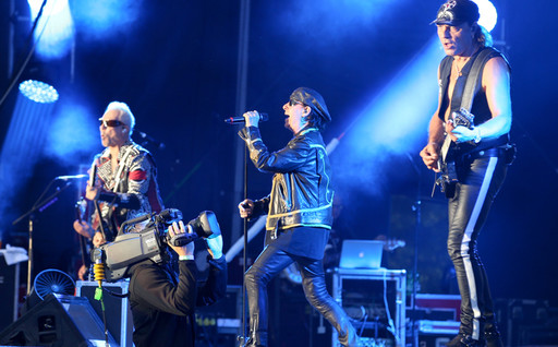 cropped-1500841240-scorpions-6742