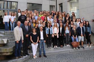 Ulm Möbel Inhofer Freut Sich über Neue Azubis News Augsburg